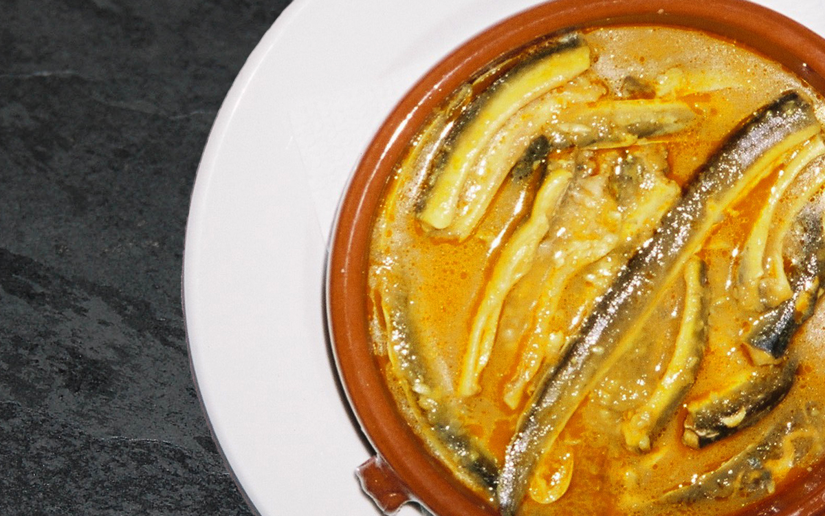 A very traditional dish.  Eels with juice.
